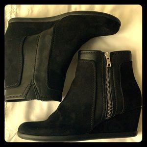 Aerosoles boots size 6.5 worn once.